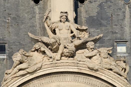 """Ci-dessus le Pavillon de Flore et ci-contre """"La Danse"""""""