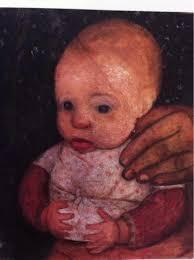 enfant et la main de sa mere