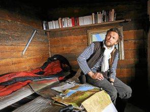 Sylvain Tesson, lors de son séjour de 6 mois en 2010 dans une cabane isolée en Sibérie