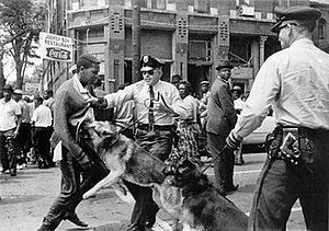 300px-Birmingham_campaign_dogs